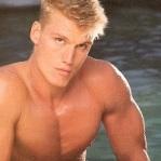 Homme blond 009